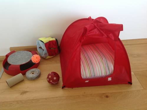 New Cat Tent Red