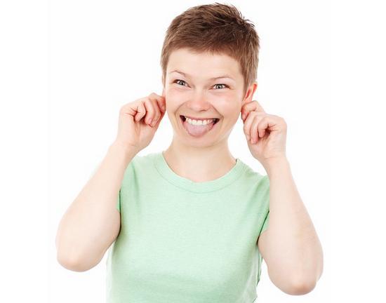 Silly Face Green Shirt Woman
